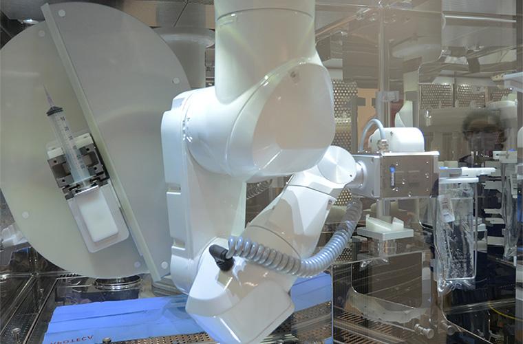 robot de préparation de chimiothérapies