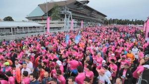 La course Odysséa, en faveur de la lutte contre le cancer du sein, en vidéo