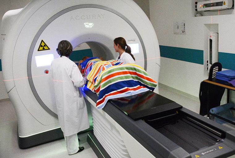 Appareil de tomothérapie